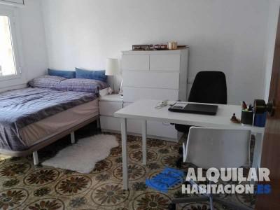 habitación de 12 m2 para matrimonio, con los acondicionamientos que se requieran. derecho a baño y