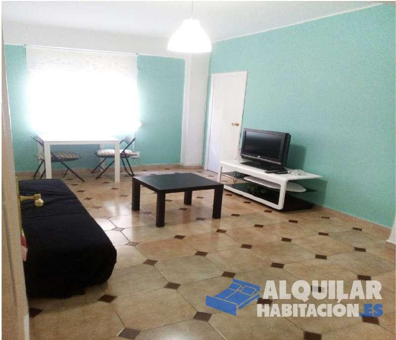 Foto 346 DISPONIBLE A PARTIR DEL 4 DE MARZO! Se alquila a estudiantes o jóvenes trabajadores! Tengo disponible una habitacion en piso de 3 dormitorios, salon