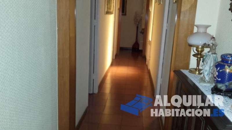 Foto 356 Habitación de matrimonio en piso compartido para estudiante o mujeres trabajadoras